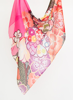 ピンク絹に桜