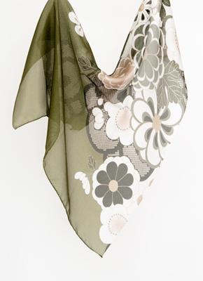 オリーブ絹に菊